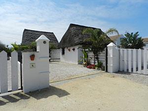 Chozos Arte Y Playa El Palmar Alojamientos En El Palmar Cadiz Alquiler De Casas Junto A La Playa Turismo Rural El Palmar Vejer Cadiz